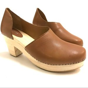 Free People Monroe Taupe Wooden Clogs 40